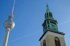 Három az egyben! A&O Hotels Berlin - 3 nap 2 éjszaka svédasztalos reggelivel 2 felnőtt és 2 gyermek részére