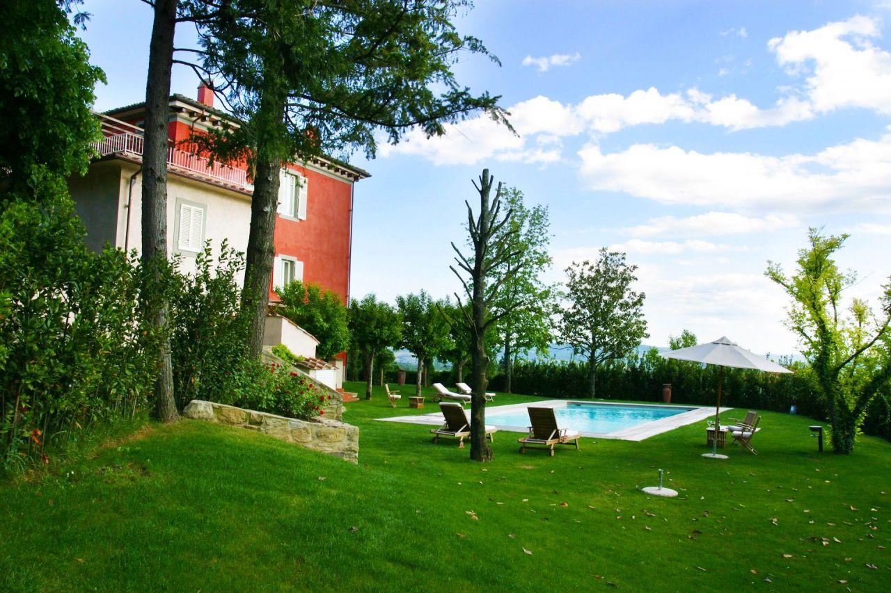 4 nap/3 éjszaka 2 fő részére reggelivel Toszkánában egy luxusvillában - Villa Cassia di Baccano